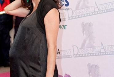 Luisa Ranieri ha confermato la gravidanza: 'E' femmina, sono al quinto mese'